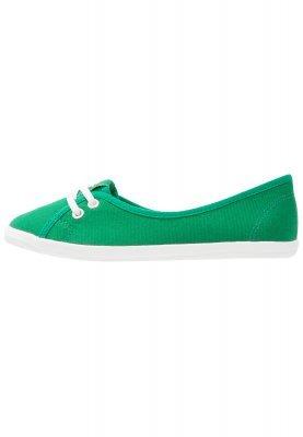 Tenis de lona verdes de Tamaris