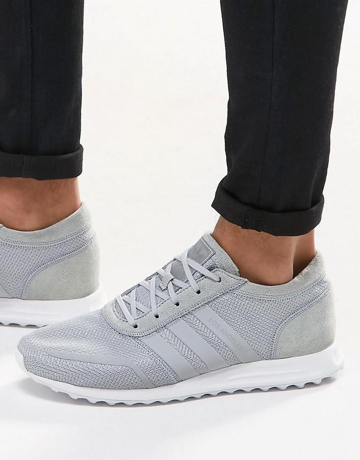 Tenis grises de adidas, €110 | Asos | Lookastic España