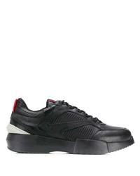 Tenis negros de Giorgio Armani