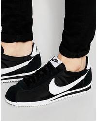 Tenis negros de Nike