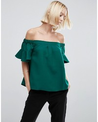 Top con hombros descubiertos verde de Asos