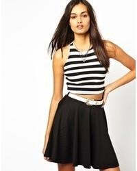 Top corto de rayas horizontales en blanco y negro de Glamorous