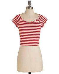 Top corto de rayas horizontales en blanco y rojo