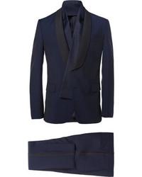 Traje azul marino de Valentino