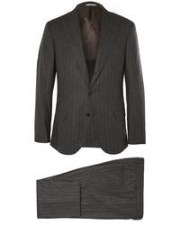 Traje de rayas verticales en gris oscuro de Brunello Cucinelli