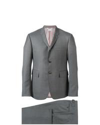 Traje gris de Thom Browne