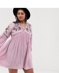 Vestido amplio bordado rosado de En Crème Plus