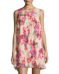 Vestido amplio con print de flores rosado