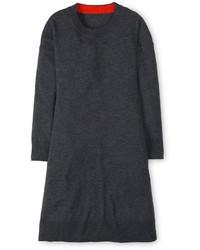 Vestido amplio de lana en gris oscuro
