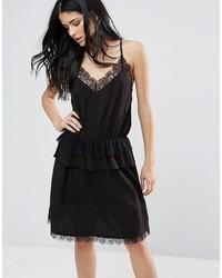 Vestido camisola de encaje negro de Minimum