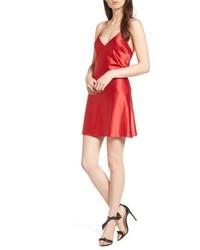 Vestido camisola de satén rojo