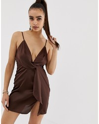 Vestido camisola en marrón oscuro de Missguided