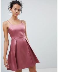 Vestido camisola rosado de Glamorous