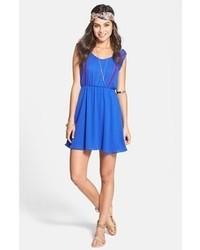 Vestido casual bordado azul