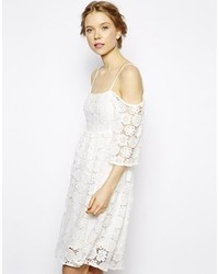 Vestido casual de encaje blanco de Little White Lies