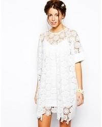 Vestido casual de encaje con print de flores blanco de Little White Lies