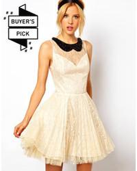 Vestido casual de encaje plisado blanco de Asos