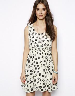 Vestido blanco con negro flores