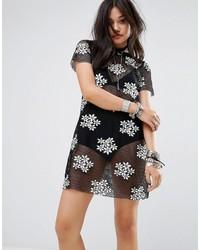 Vestido casual de malla bordado negro de Glamorous