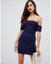 Vestido con hombros al descubierto azul marino de AX Paris