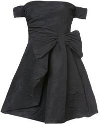 Vestido con hombros al descubierto negro de RED Valentino