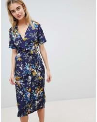 Vestido cruzado con print de flores azul marino de Warehouse
