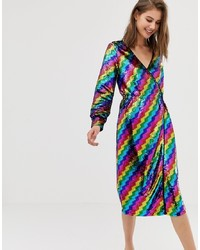 Vestido cruzado de lentejuelas en multicolor de Warehouse