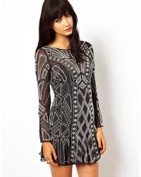 Vestido de fiesta con estampado geométrico negro de Needle & Thread