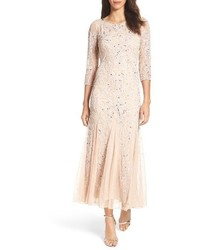 Vestido de noche de malla con adornos rosado