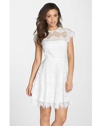 Vestido de vuelo blanco