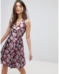 Vestido de vuelo con print de flores morado de Vila