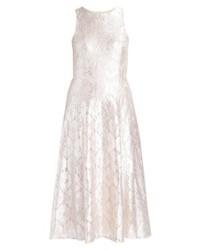 Vestido de vuelo de encaje plateado de Miss Selfridge