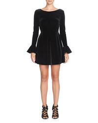 Vestido de vuelo de terciopelo negro