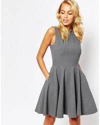 Vestido de vuelo gris de Closet