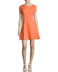 Vestido de vuelo naranja