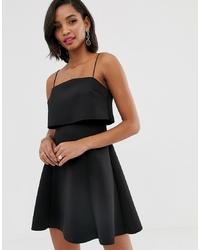 Vestido de vuelo negro de ASOS DESIGN