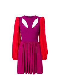 Vestido de vuelo rosa de Alexander McQueen