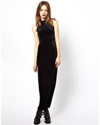 Vestido largo de terciopelo negro de MinkPink