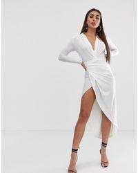 Vestido midi con recorte blanco de John Zack