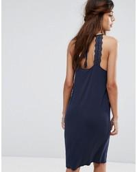 Vestido midi de encaje azul marino de Vila