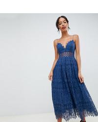 Vestido midi de encaje azul de Asos Tall