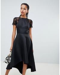 Vestido midi de encaje negro de Chi Chi London