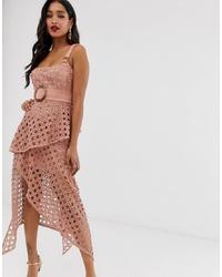 Vestido midi de encaje rosado de ASOS DESIGN
