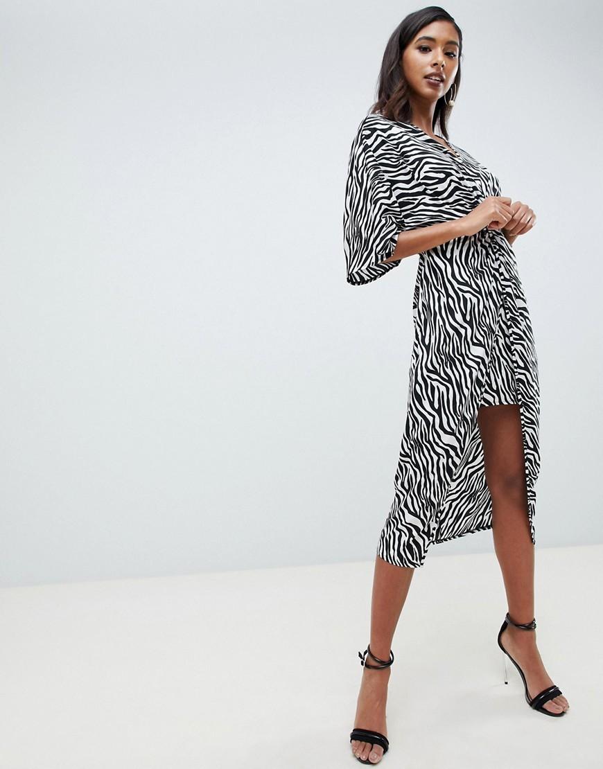 busca lo último calidad real promoción especial Vestido midi estampado en blanco y negro de ASOS DESIGN