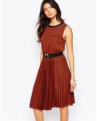 Vestido midi plisado marrón de Mango