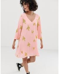 Vestido recto bordado rosado de Wild Honey