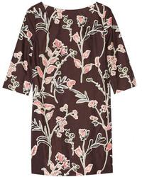 Vestido recto con print de flores burdeos
