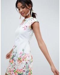 Vestido recto con print de flores celeste de ASOS DESIGN