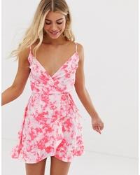 Vestido recto con print de flores rosado de New Look