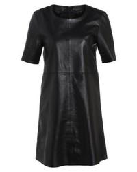 Vestido recto de cuero negro de Tigha
